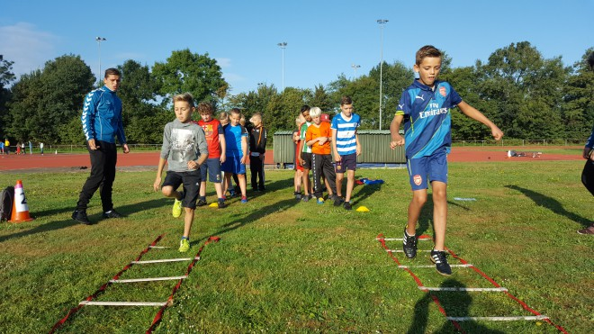 Photo of Meer dan 500 leerlingen testen snelheid op Zwolse 1500 meter