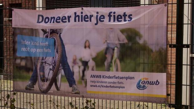 Photo of Internationale Schakelklas Landstede krijgt 40 fietsen via Kinderfietsenplan ANWB