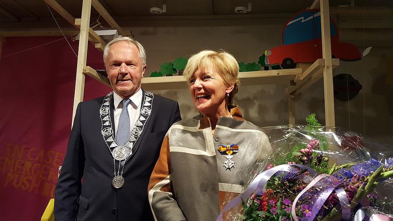 Photo of VIDEO UPDATE Koninklijke onderscheiding voor Coby Zandbergen van het Cibap