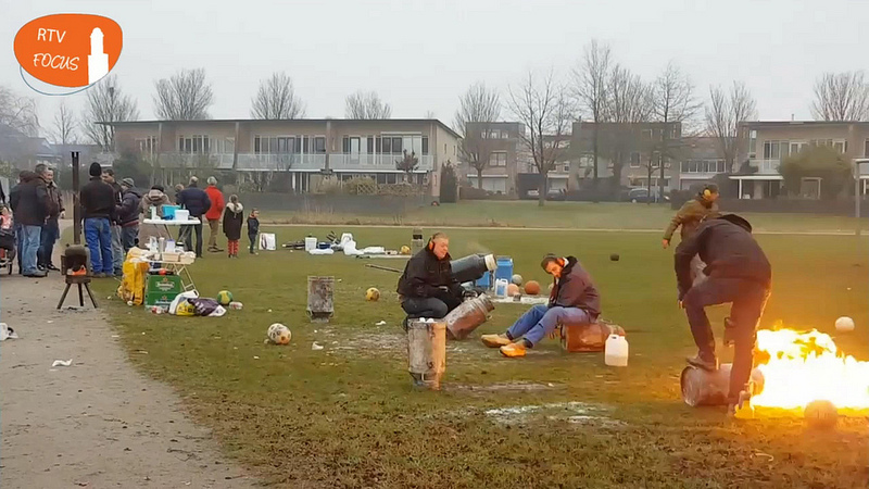 Photo of [UPDATE artikel] Het Ittersumerpark in Zuid stond vol met carbidschieters