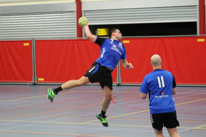 Photo of Zwolse handbalheren prolongeren winstreeks in eigen huis tegen Donar