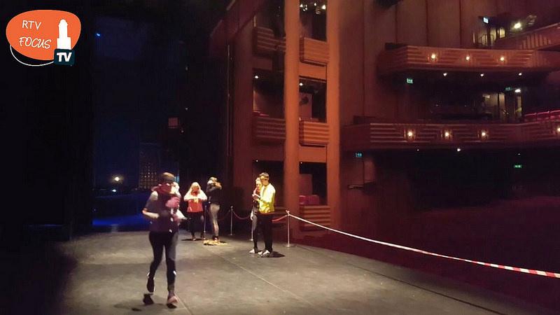 Photo of Trapje op trapje af, al hardlopend door Theater de Spiegel