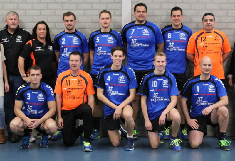 Photo of Handbalheren HV Zwolle goed op titelkoers