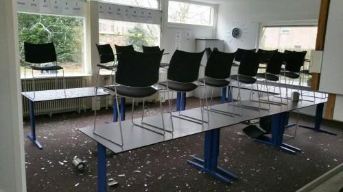 Photo of Ruiten ingegooid bij Vluchtelingenwerk, politie zoekt getuigen