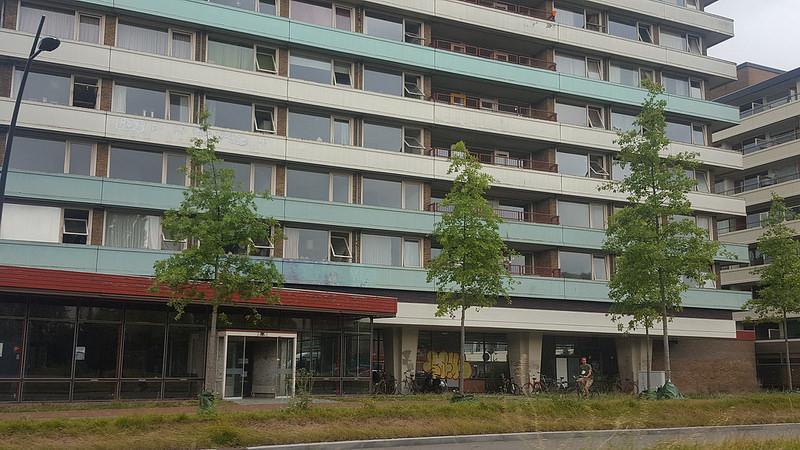 renovatie Harm Smeengekade tot kooppappartementen en deels zorg woningen
