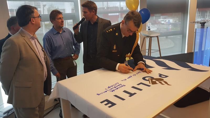 Photo of Politie Diensten Centrum officieel geopend in Hanzeland Zwolle
