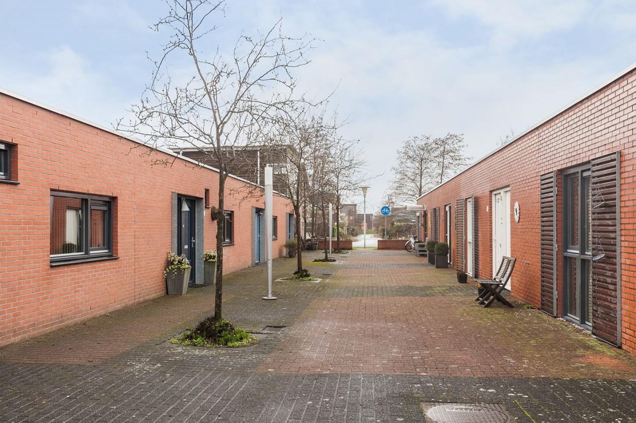 Photo of Te koop in Stadshagen: Patiobungalow met besloten patio-tuin op het Zuiden