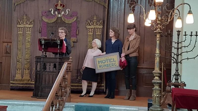 Photo of Video – Opening tentoonstelling verhaal Selma Wijnberg in synagoge Zwolle