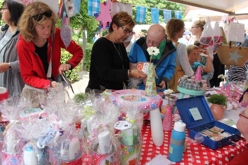 Photo of Kleurrijke zomermarkt Molenkamp Frion