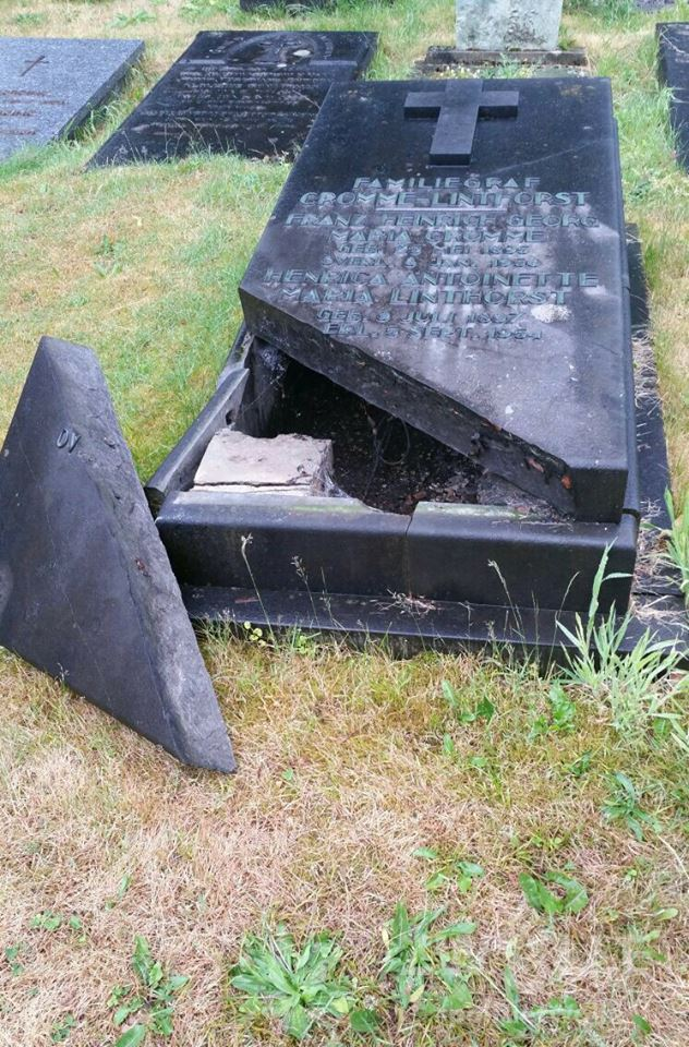 Photo of Vandalen vernielen begraafplaats Bisschop Willebrandlaan