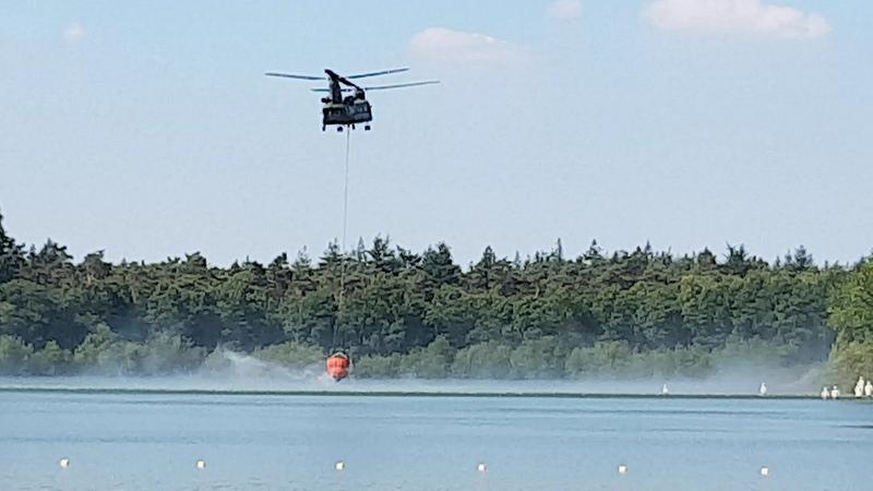 Photo of ► Vergrote kans op natuurbrand; blushelikopter defensie oefent