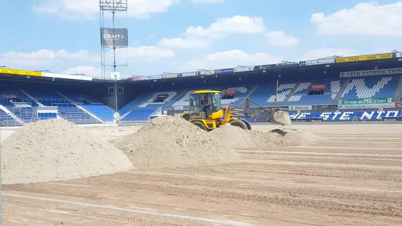 Photo of ► 3.600 kuub zand voor ophogen veld PEC Zwolle
