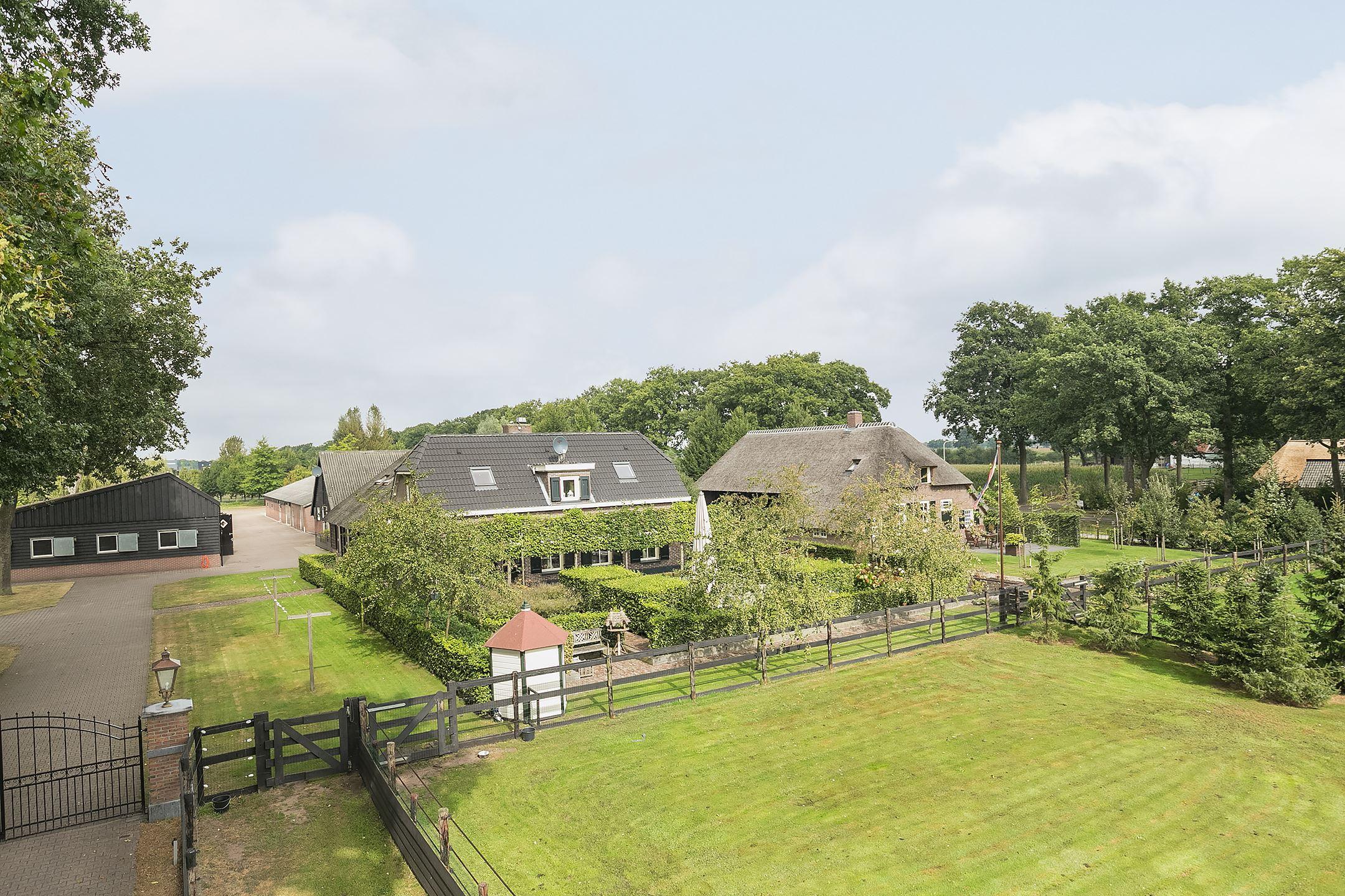 Photo of Fraai verbouwd landhuis met hippische accommodatie gelegen in Vechtdal