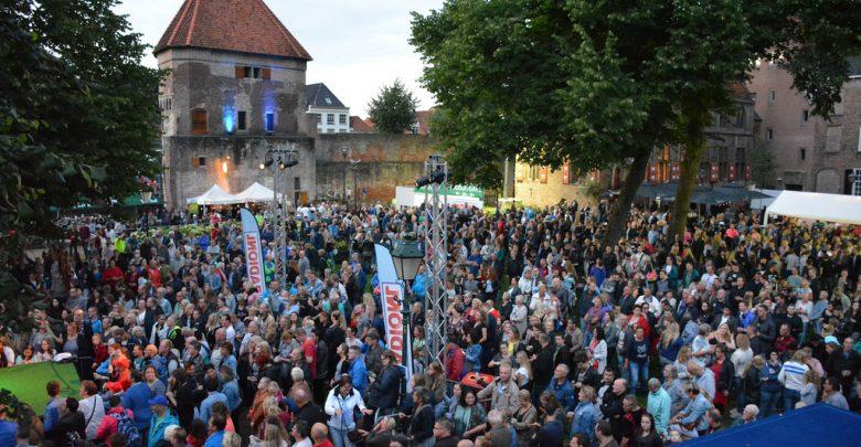Photo of Stratenfestival: RadioNL hoofdpodium op Broerenkerkplein, Radio538 op Rodetorenplein
