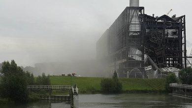 Photo of Weer stof en enorme knal door neerhalen deel gasturbinehal IJsselcentrale