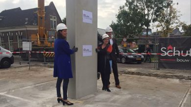 Photo of 1e betonplaat geplaatst voor 37 sociale huurwoningen op voormalig parkeerdek