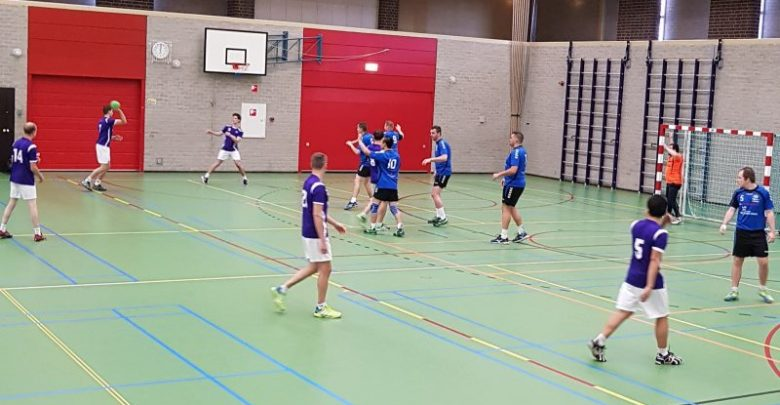 Photo of Handballers Travelbags/HV Zwolle kwamen net tekort tegen Erica