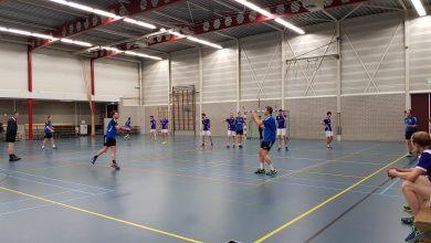 Photo of Handbalmannen HV Zwolle pakken belangrijke punten in eigen huis