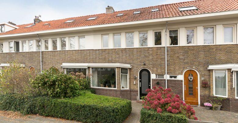 Photo of Te Koop: Royaal jaren 30 woonhuis in de wijk Wipstrik