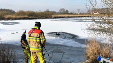 Photo of Brandweer oefent ijsduiken in Westerveldsekolk