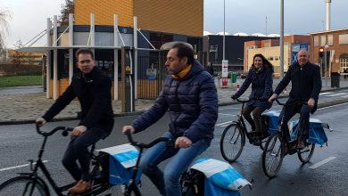 Photo of CdK en gedeputeerden op werkbezoek bij  provinciale 'leefomgeving' projecten in Zwolle