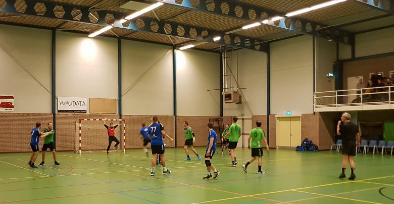 Photo of Travelbags/HV Zwolle handbalheren komen nog te kort tegen Heeten