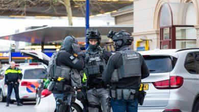 Photo of Man met bijl opgepakt door arrestatieteam op Station Zwolle