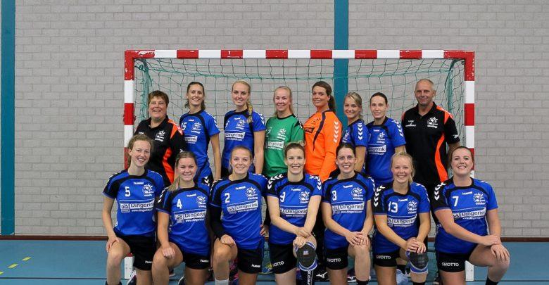 Photo of Travelbags/HV Zwolle dames-1 neemt de punten mee naar huis