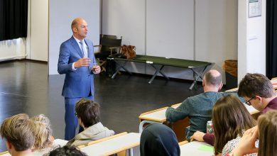 Photo of Landstede-voorzitter Theo Rietkerk geeft gastles over politiek