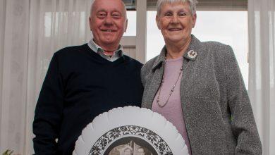 Photo of Diamanten bruidspaar in Diezerpoort krijgt bezoek van burgemeester Meijer