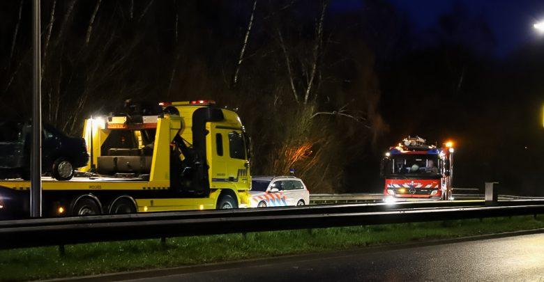Photo of Achtervolging door politie eindigt met botsing in Zwolle-Zuid; vrouw gewond geraakt
