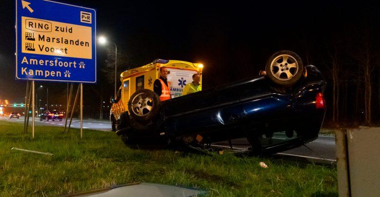 Photo of Auto slaat over de kop op Nieuwe Heinoseweg