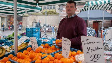Photo of Hans Bosch verkoopt al 40 jaar groente en fruit op Zwolse markt