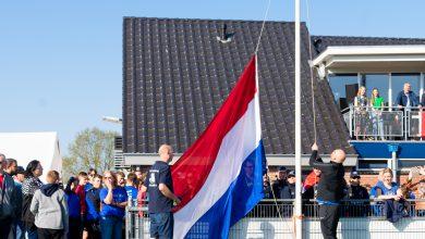 Photo of In beeld: Vlaggen in top voor internationale jeugdvoetballers