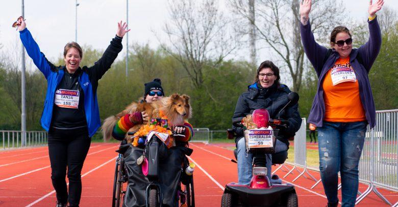 Photo of In beeld: Hardlopers en wandelaars halen 46.500 euro op tijdens MS Motion Zwolle