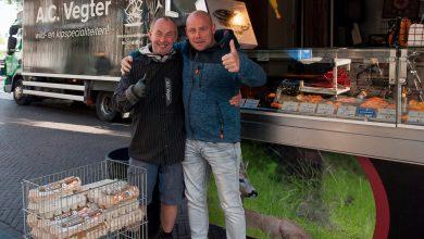 Photo of Zwolle is dol op gebraden kippetjes van marktkoopman Vegter