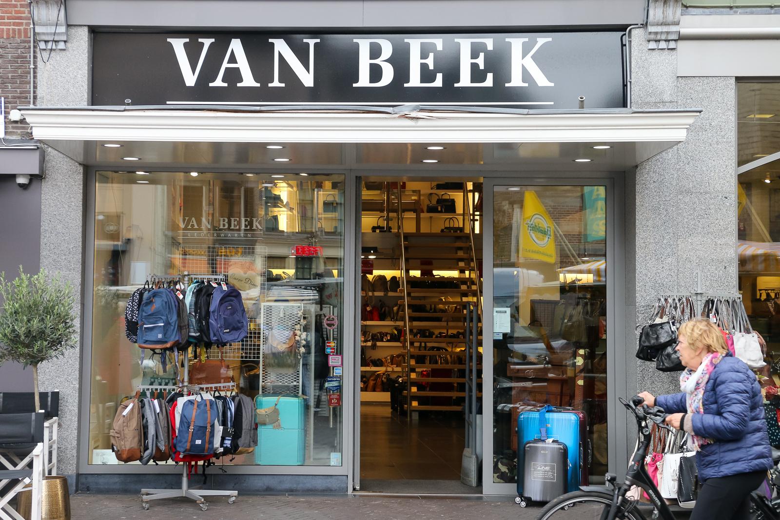 42d0e628242 Van Beek Lederwaren sluit winkel op Grote Markt - RTV Focus Zwolle