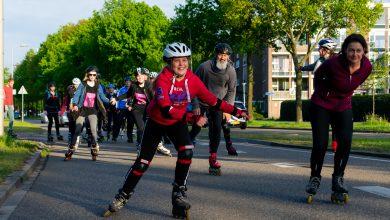 Photo of Dwars door Zwolle skeeleren tijdens eerste Night Skate van seizoen