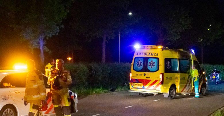 Photo of Motorrijder onderuit en gewond op Zwartewaterallee