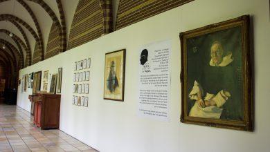 Photo of Mini expo over Pater Raymond van Bergen tijdens Feest van de Geest