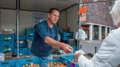 Photo of Wiljan van de Belt bijna achttien jaar op markt voor Zwolse aardappeleters