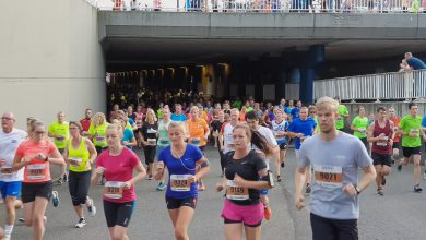 Photo of Alle deelnemers Zwolse Halve Marathon en 4 Engelse Mijlen door tunnel