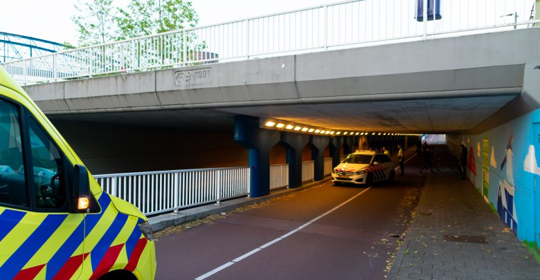 Photo of Fietser onderuit in Van Karnebeektunnel