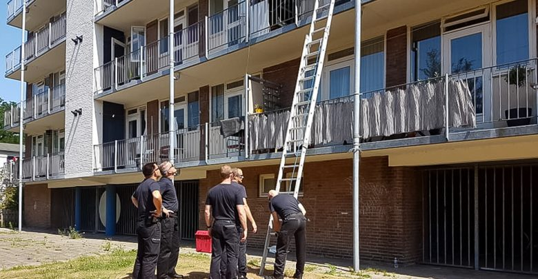 Photo of Konijn overleden na val van flat Diezerpoort