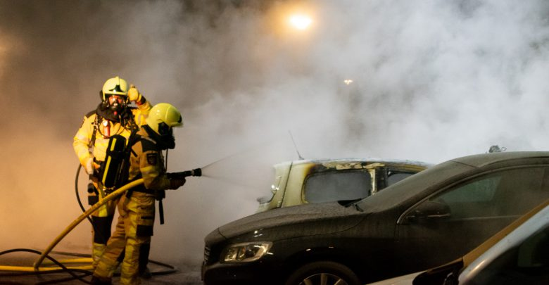 Photo of Auto volledig uitgebrand op parkeerplaats in Zwolle-Zuid