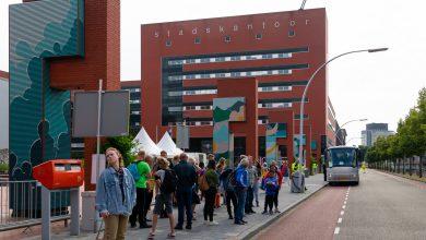 Photo of Lübeckplein tijdelijk busstation voor treinreizigers