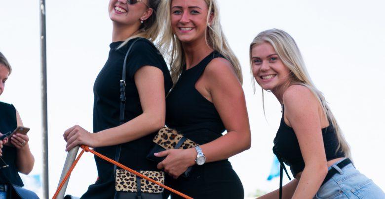 Photo of In beeld: Zeshonderd feestvierders met Vrijmiboot de IJssel op
