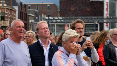 Photo of In beeld: Eervol applaus voor Oranjeleeuwinnen op Rodetorenplein