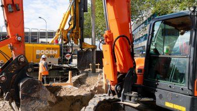 Photo of In beeld: Eerste wand bouwkuip Stationsplein aangebracht