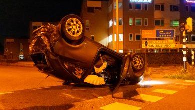 Photo of Auto over de kop op Marsweg: één gewonde